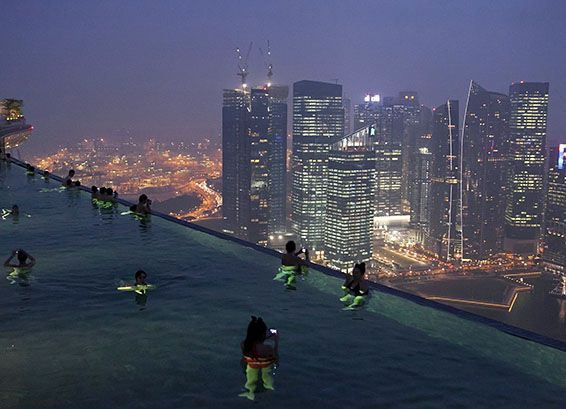 The Infinity Pool Of Marina Bay Sands The Pearl Of Singapore Unfinished Man