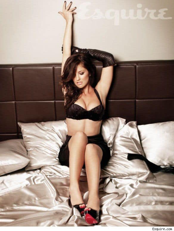 Minka-Kelly-In-Bed-Esquire