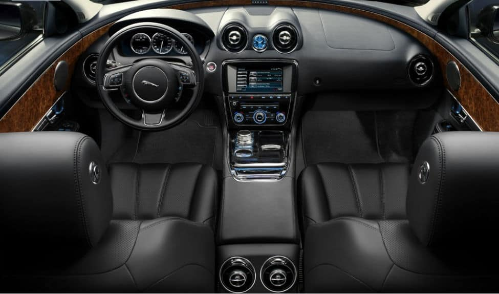 2011-Jaguar-XJ-Interior
