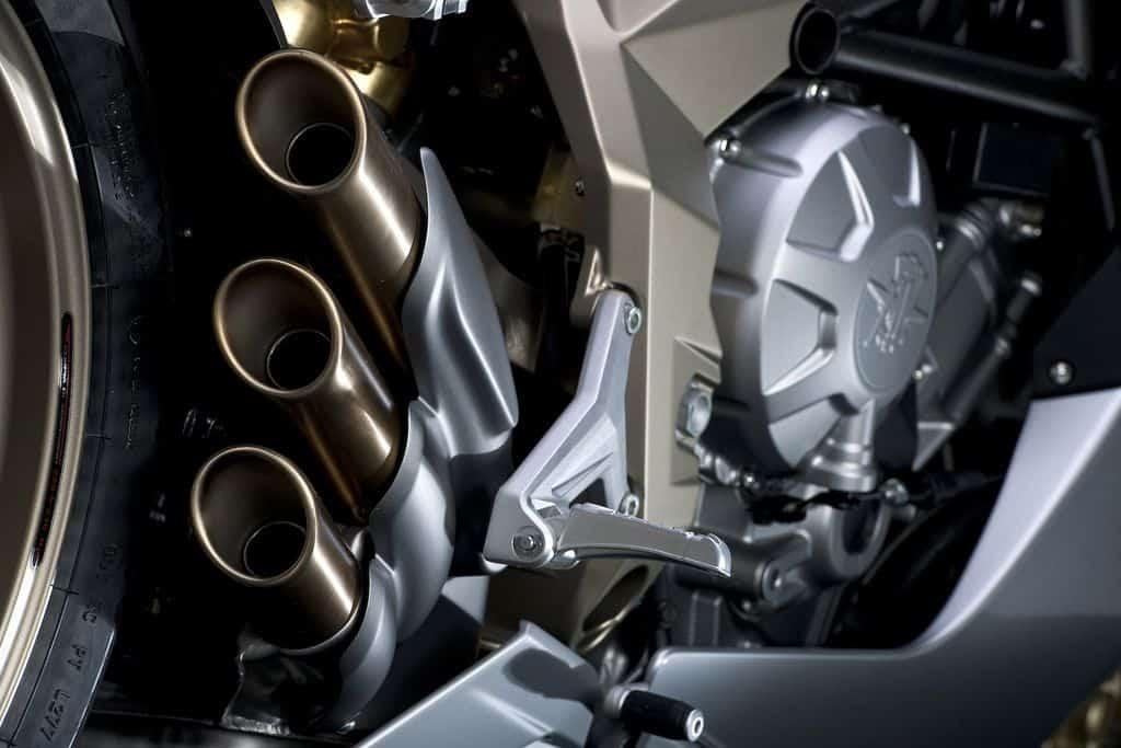2011-MV-Agusta-F3-Exhaust-Pipes