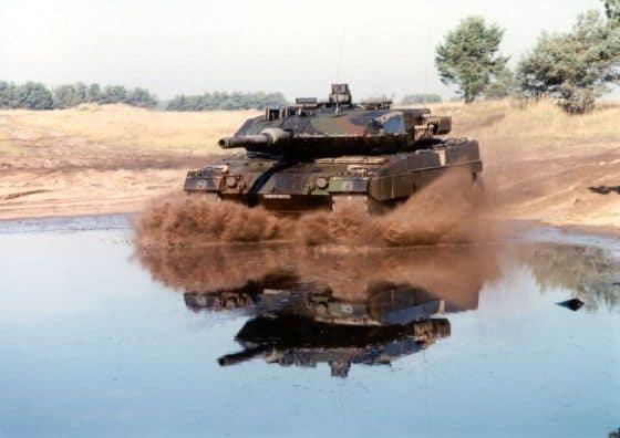 Leopard 2 Tank in muddy water