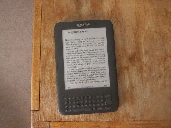 The 3rd Generation Amazon Kindle, Frontal View