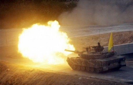 Korean K1A1 Tank fires a round