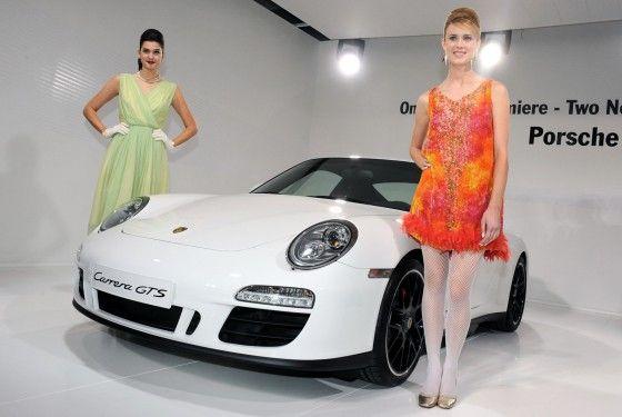 LA-Hot-Auto-Show-Girls-Porsche