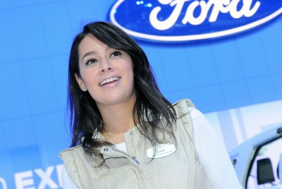 LA-Hot-Auto-Show-Girls-Ford