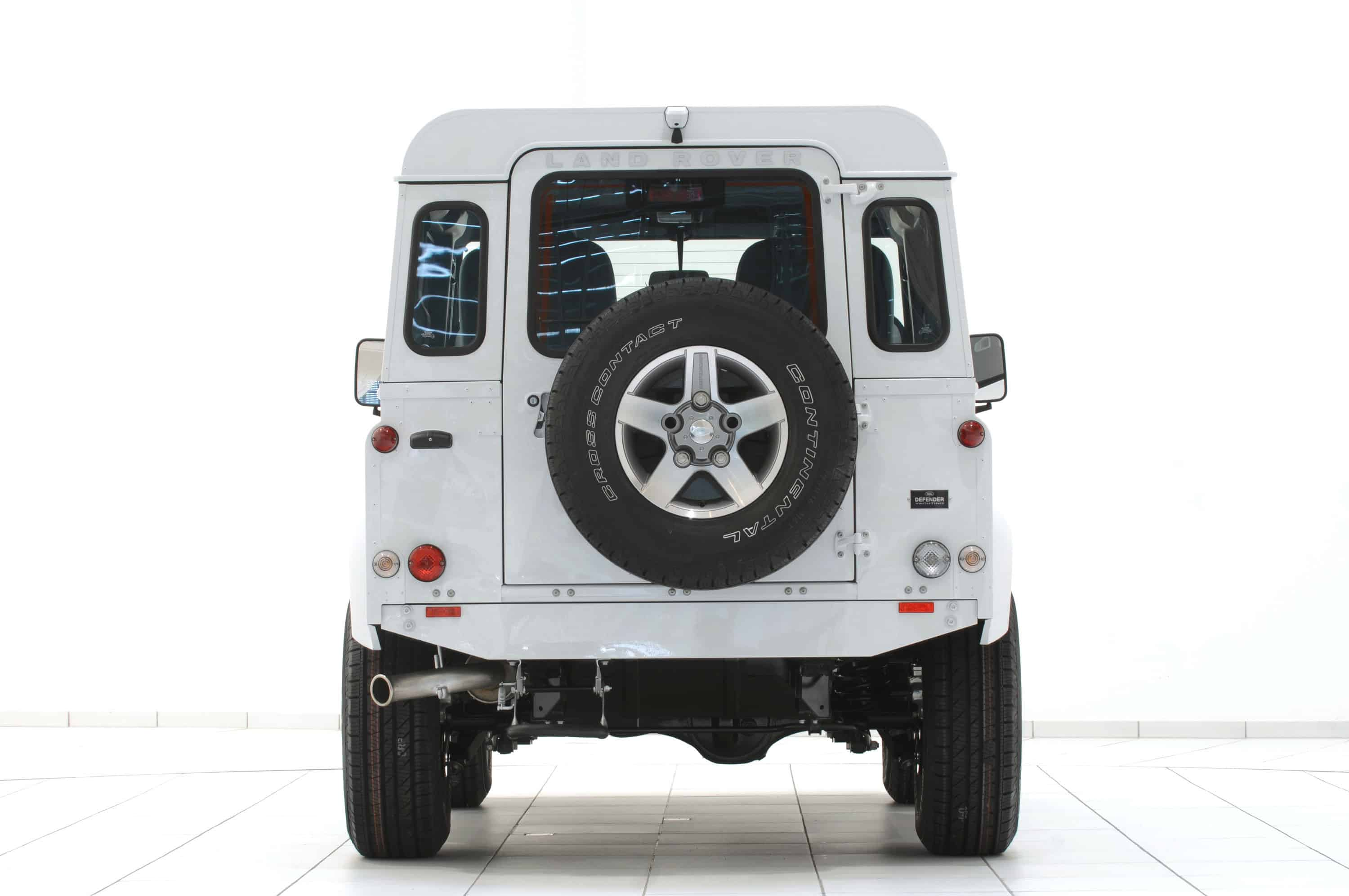 Startech-Land-Rover-Defender-Yachting-Rear