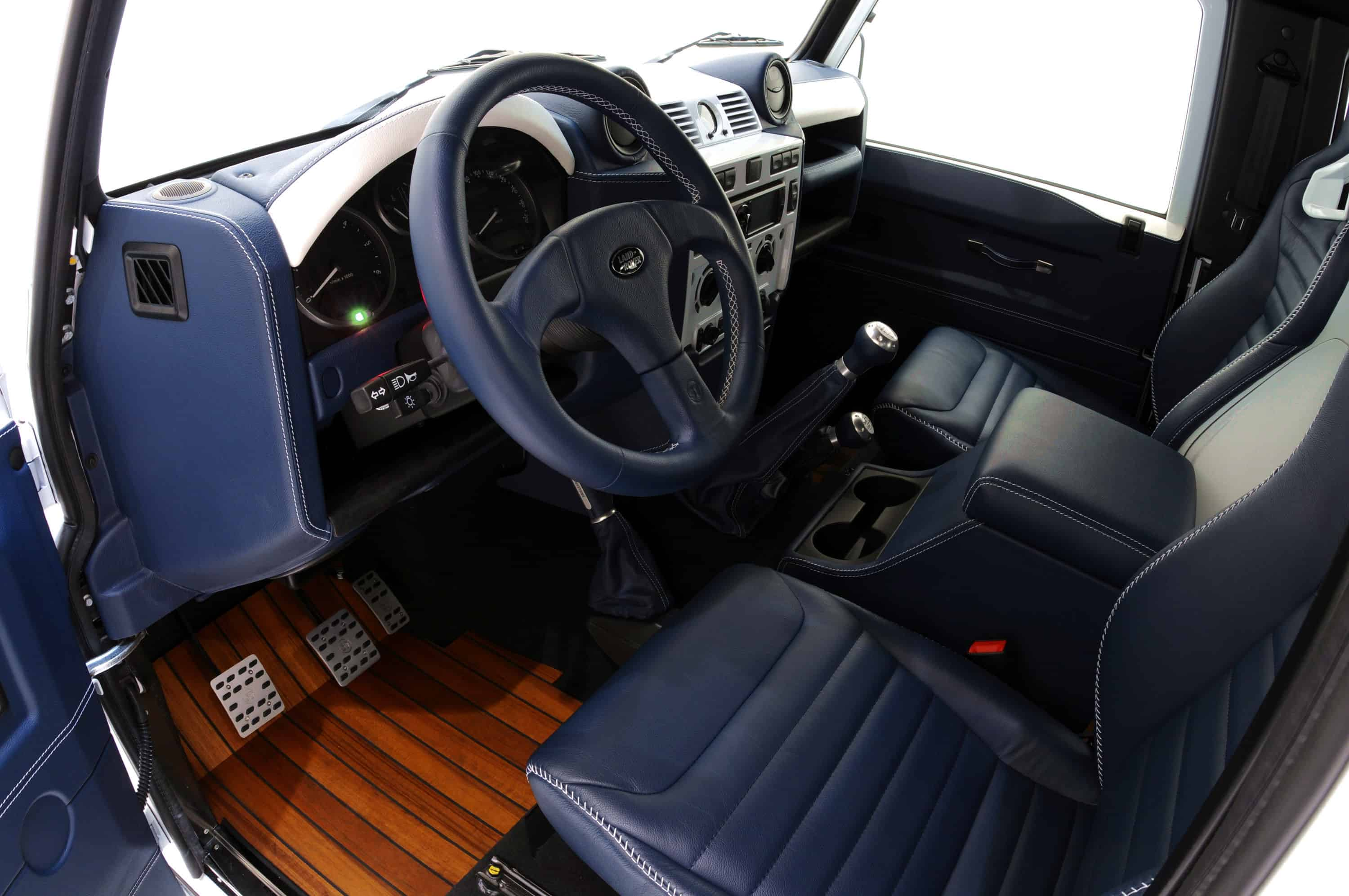Startech-Land-Rover-Defender-Yachting-Leather-Interior