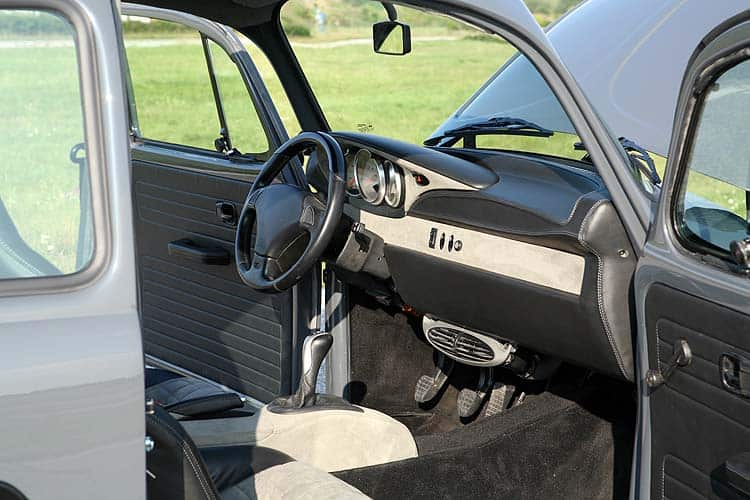 Boxter-Beetle-Bugster-Interior