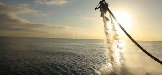 Water powered jetpack Jetlev R200