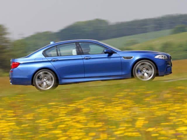 2012-BMW-M5-F10-Side