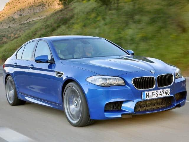 2012-BMW-M5-F10-Driving