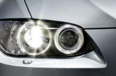 Getting rid of the yellow on headlights with toothpaste