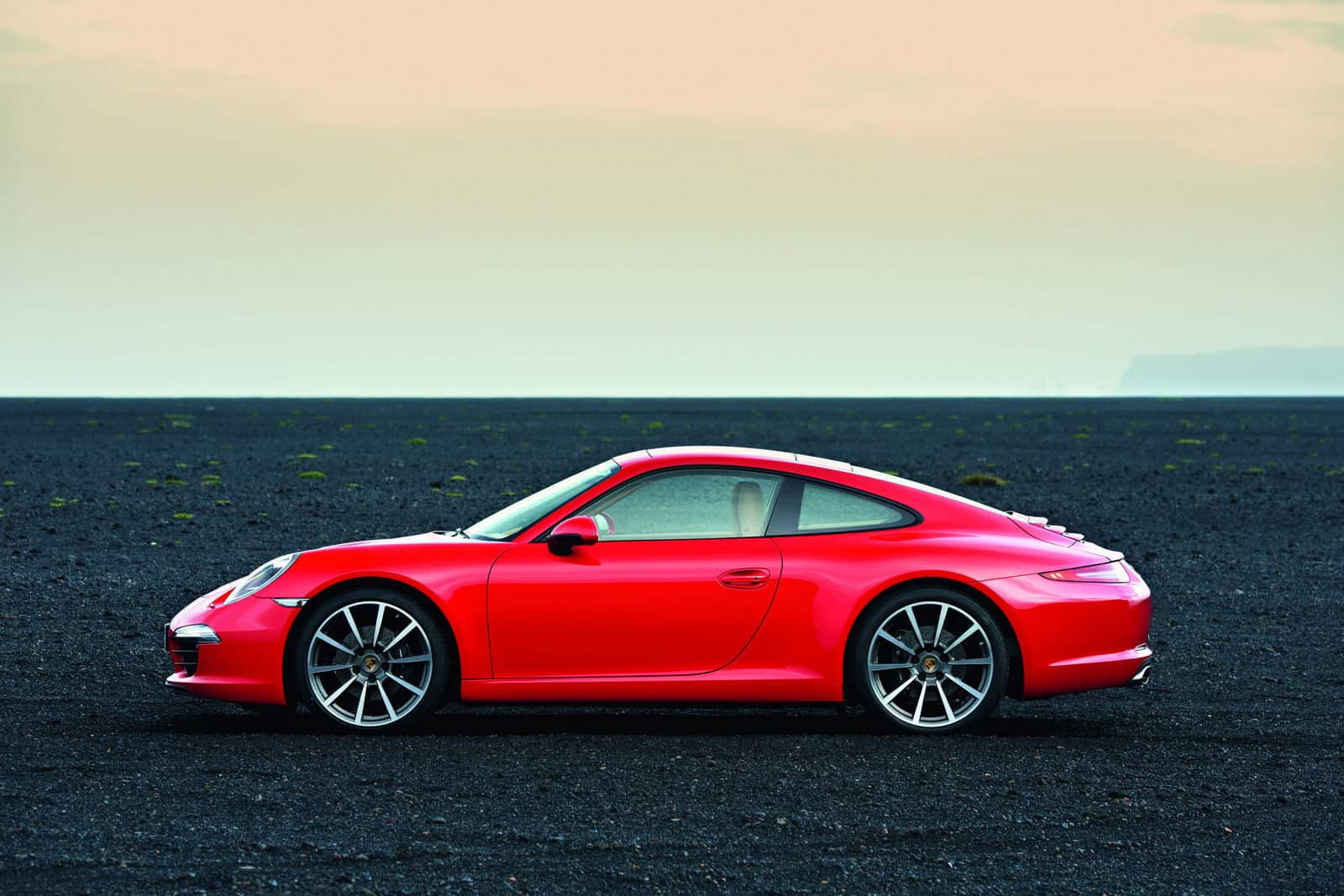 2012-Porsche-911-Carrera-991-Red-Side