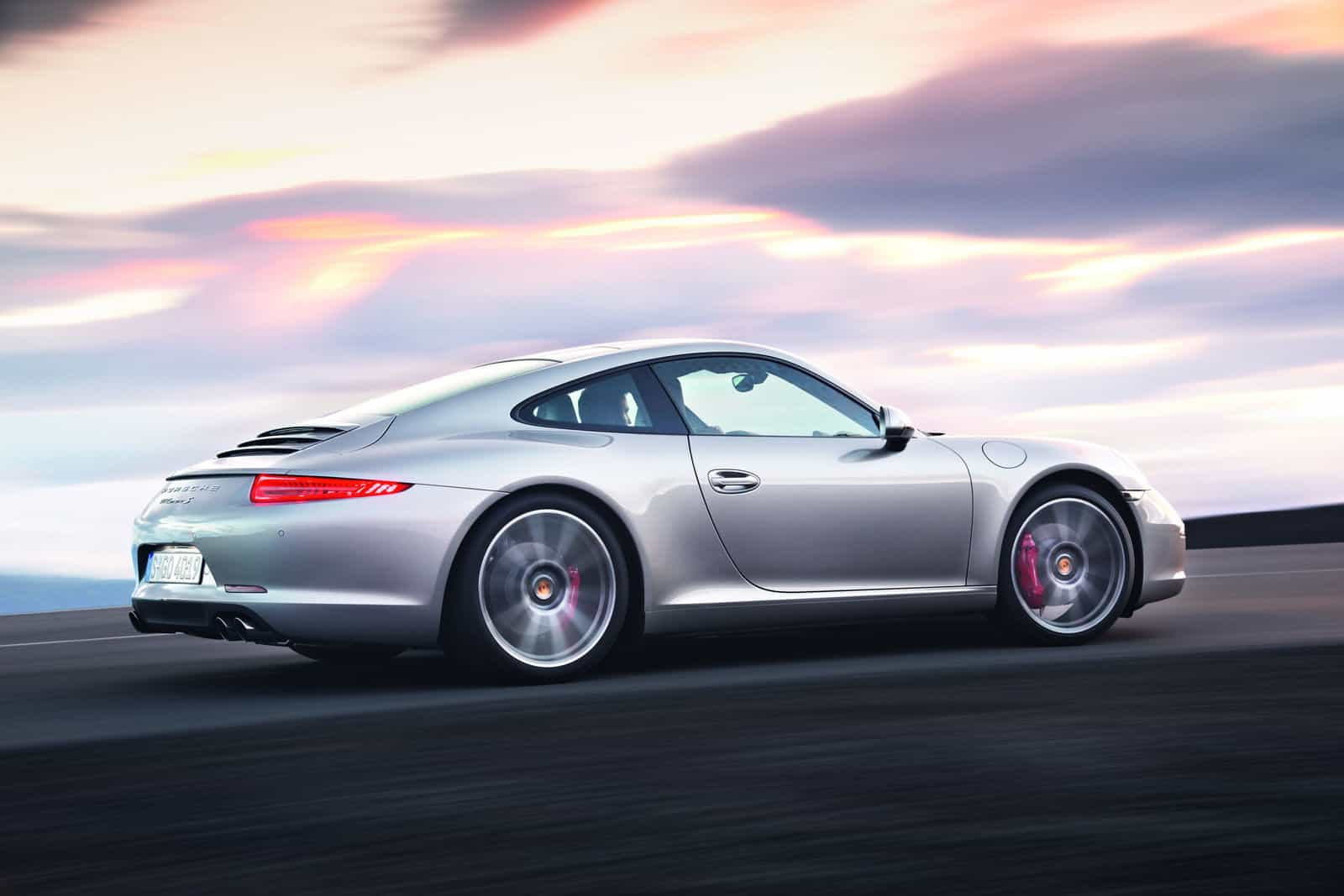 2012-Porsche-911-Carrera-991-Driving