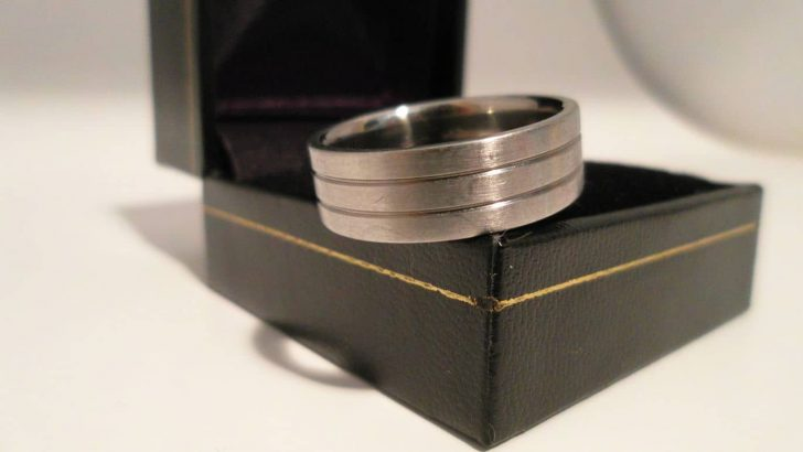 Mens Titanium Ring from Titanium-Buzz.com