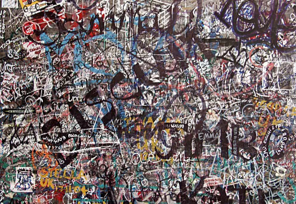 graffiti lightwall