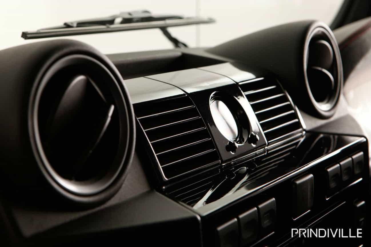 Prindville Land Rover Defender Interior
