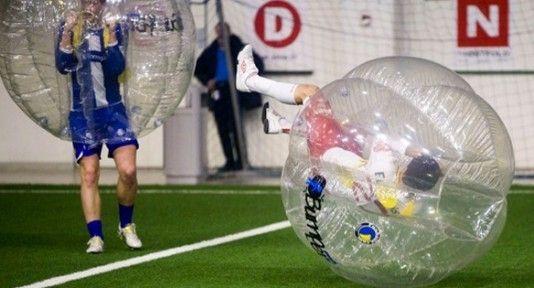 bubble soccer boblefotball player falls
