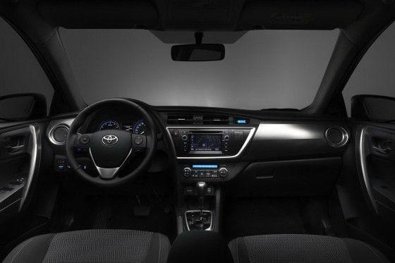Interior Space of 2013 Toyota Auris