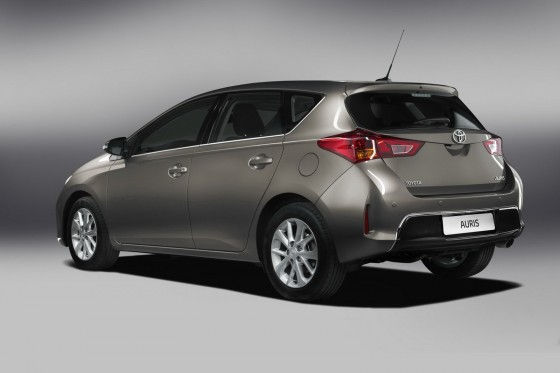 Rear view of 2013 Toyota Auris Hybrid