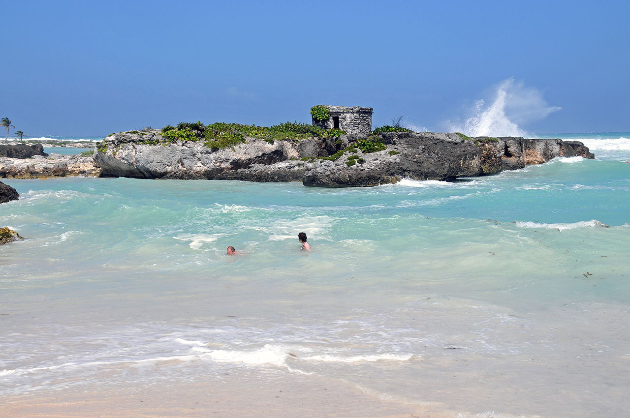 cancun single guys Single and looking to travel  best travel destinations for single guys the six best travel destinations for single guys, revealed  lindsay tigar october 24, 2017.