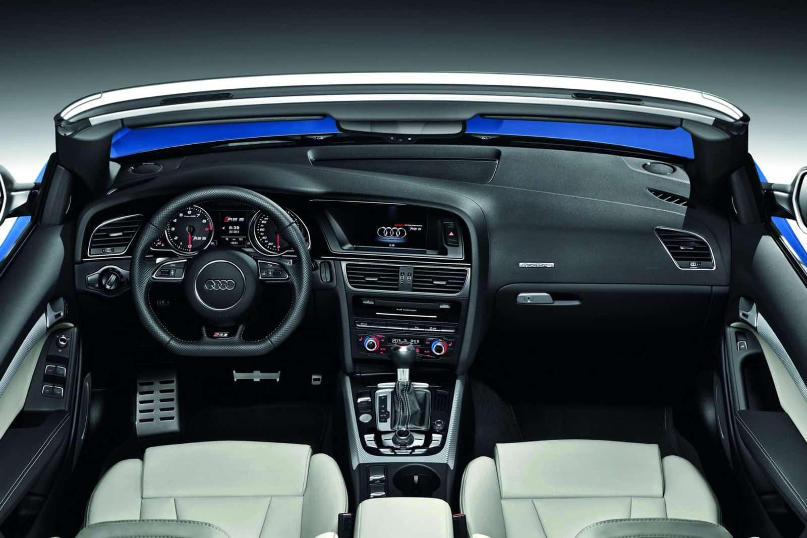 2013 Audi RS5 Cabriolet interior