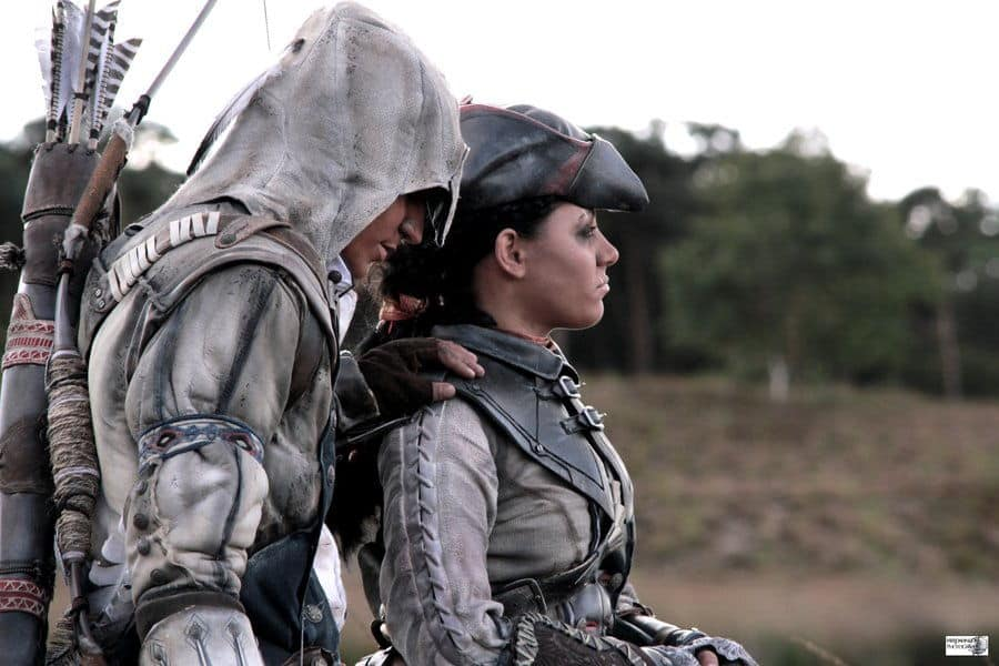 assassins-creed3-cosplay-connor-and-aveline01