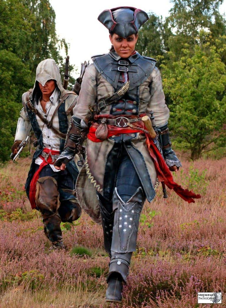 assassins-creed3-cosplay-connor-and-aveline04