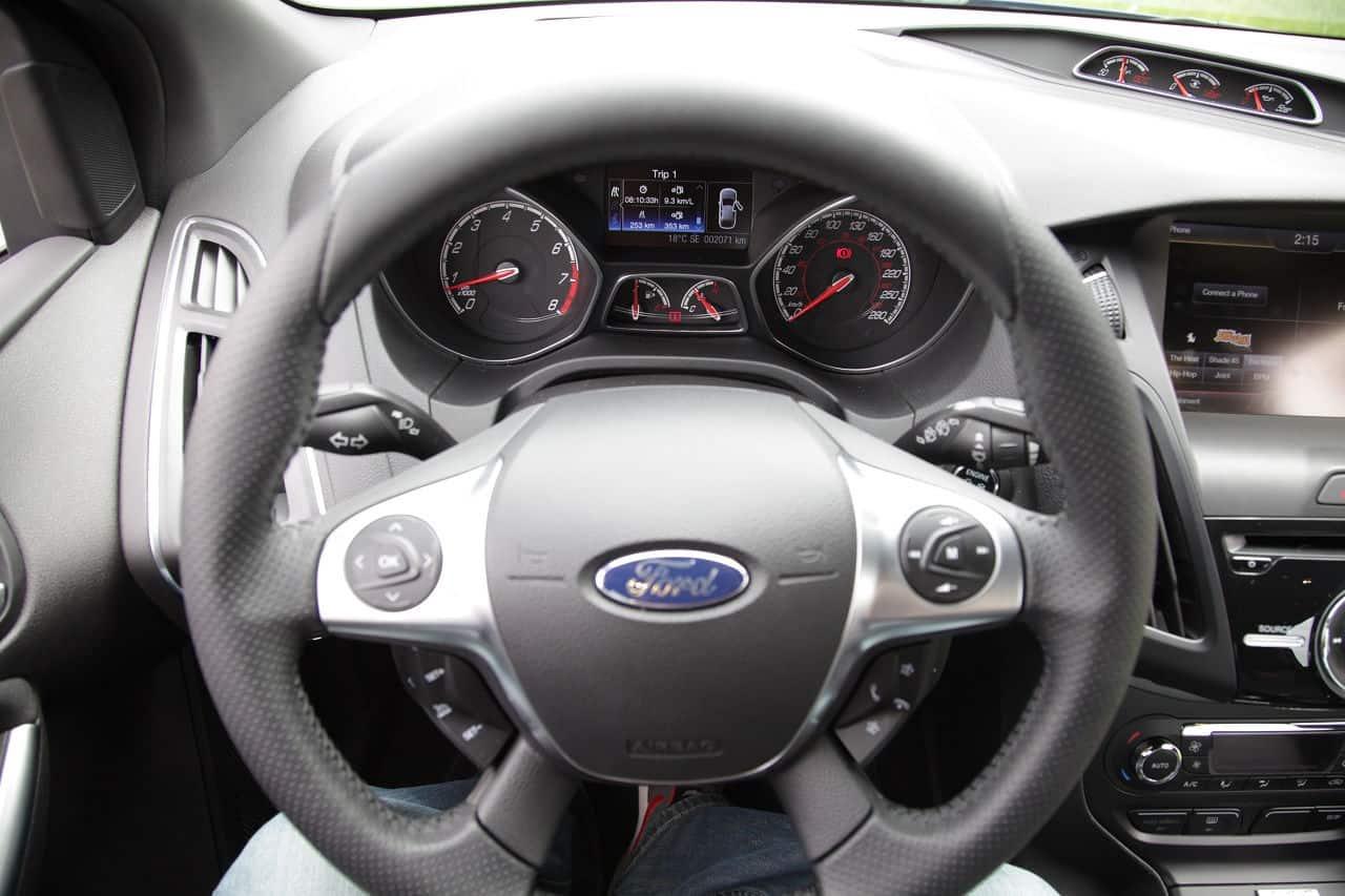 2013 Ford Focus ST steering wheel