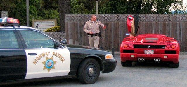 Lamborghini Diablo pulled over by a cop