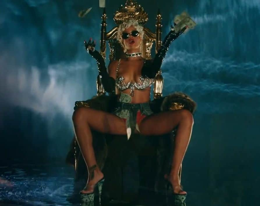 Pour It Up Explicit Rihanna