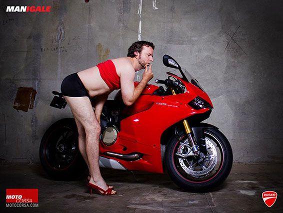 motorcycle-men-pose-as-biker-babes07