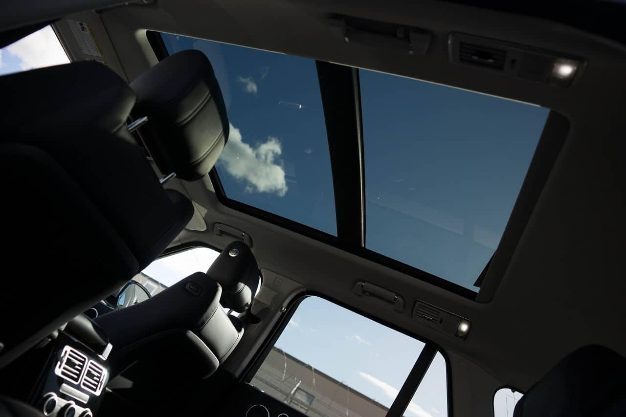 2014 Range Rover panoramic roof