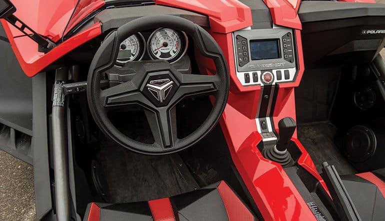2015 polaris slingshot cockpit