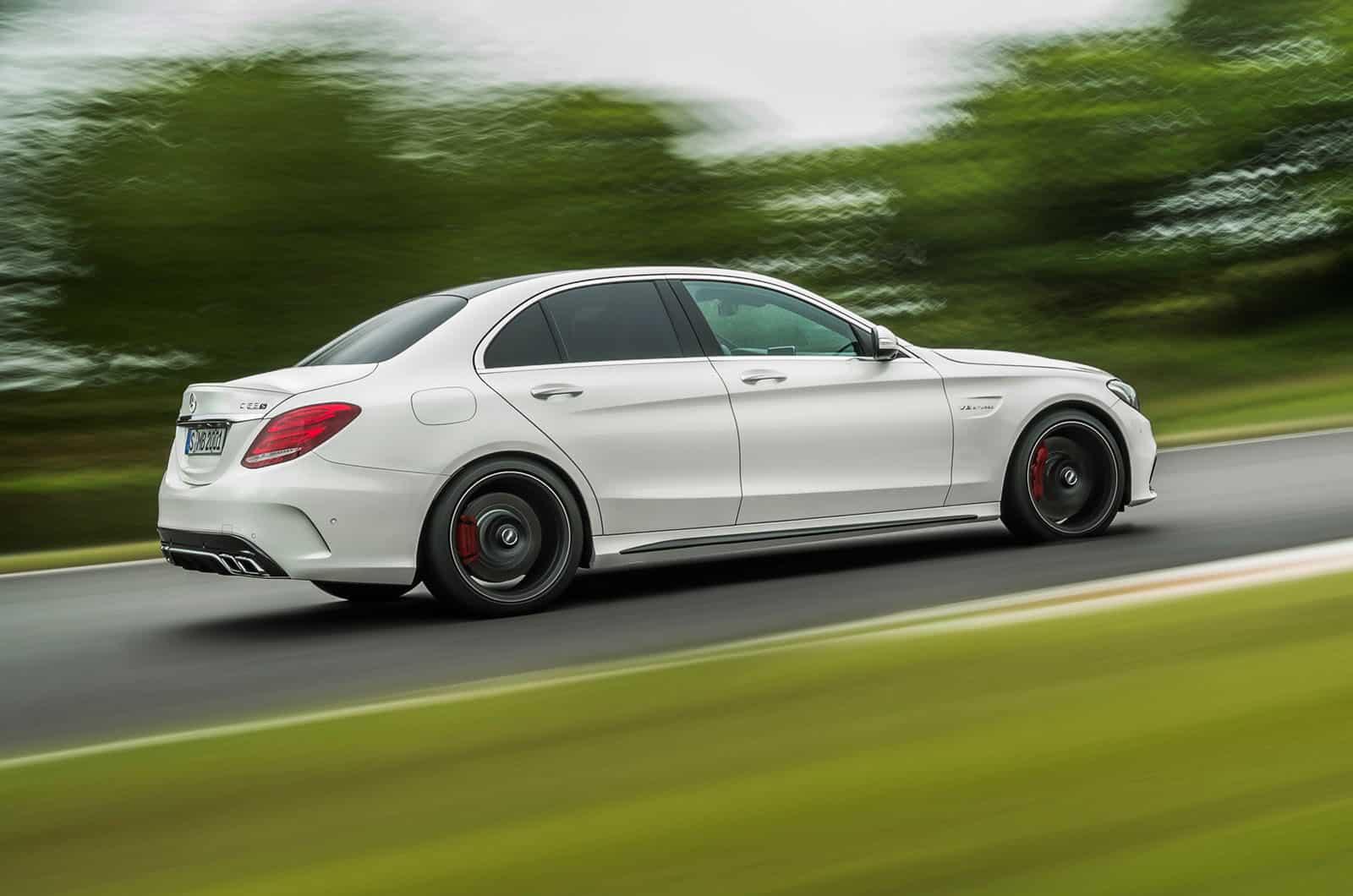 2015_Mercedes-Benz_C63_AMG_5