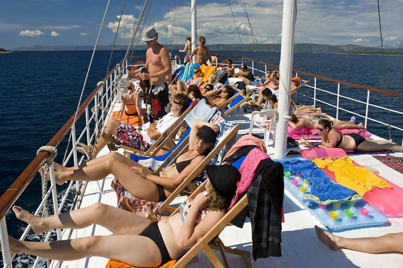 party boat in croatia