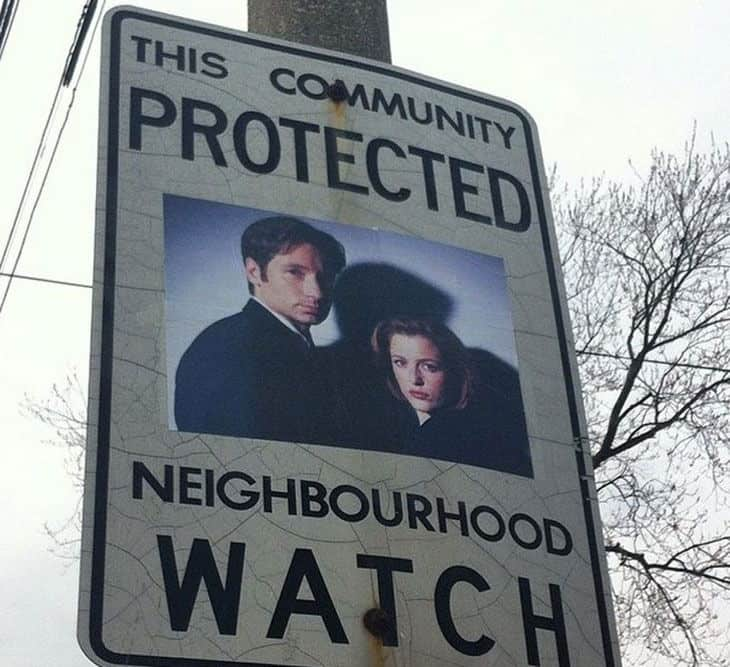 funny-neighborhood-watch-signs-canada02