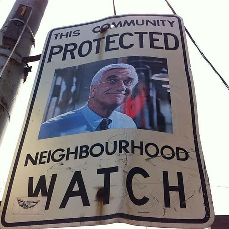funny-neighborhood-watch-signs-canada03