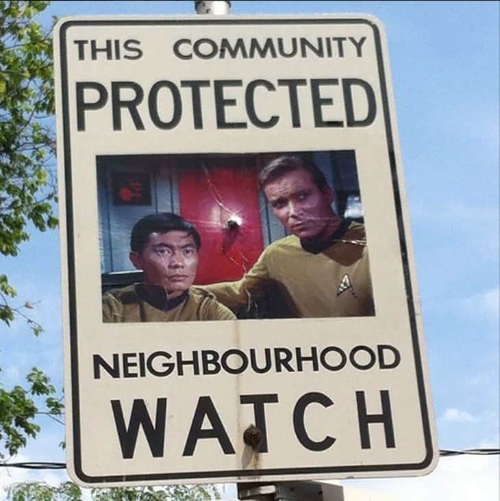 funny-neighborhood-watch-signs-canada05