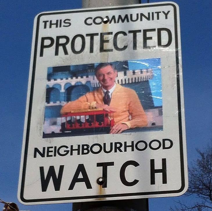 funny-neighborhood-watch-signs-canada07