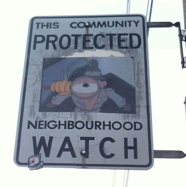 funny-neighborhood-watch-signs-canada08