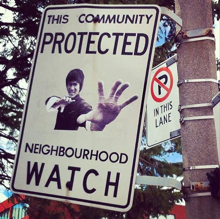 funny-neighborhood-watch-signs-canada11