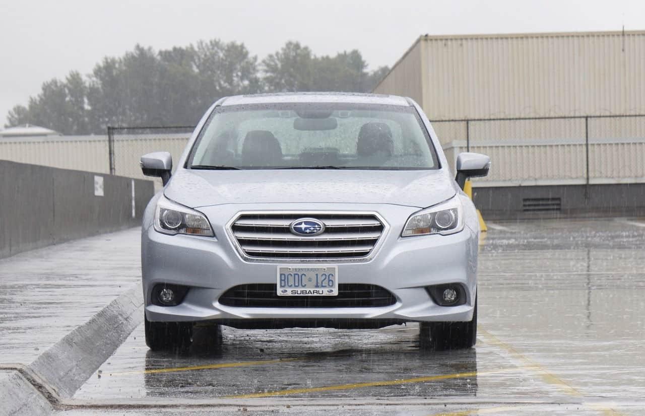 2015-Subaru_Legacy_3.6R_3