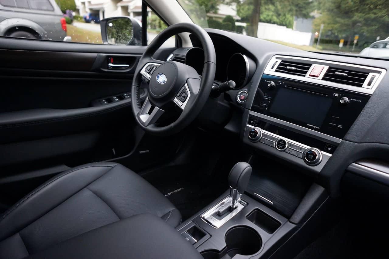 2015-Subaru_Legacy_3.6R_8