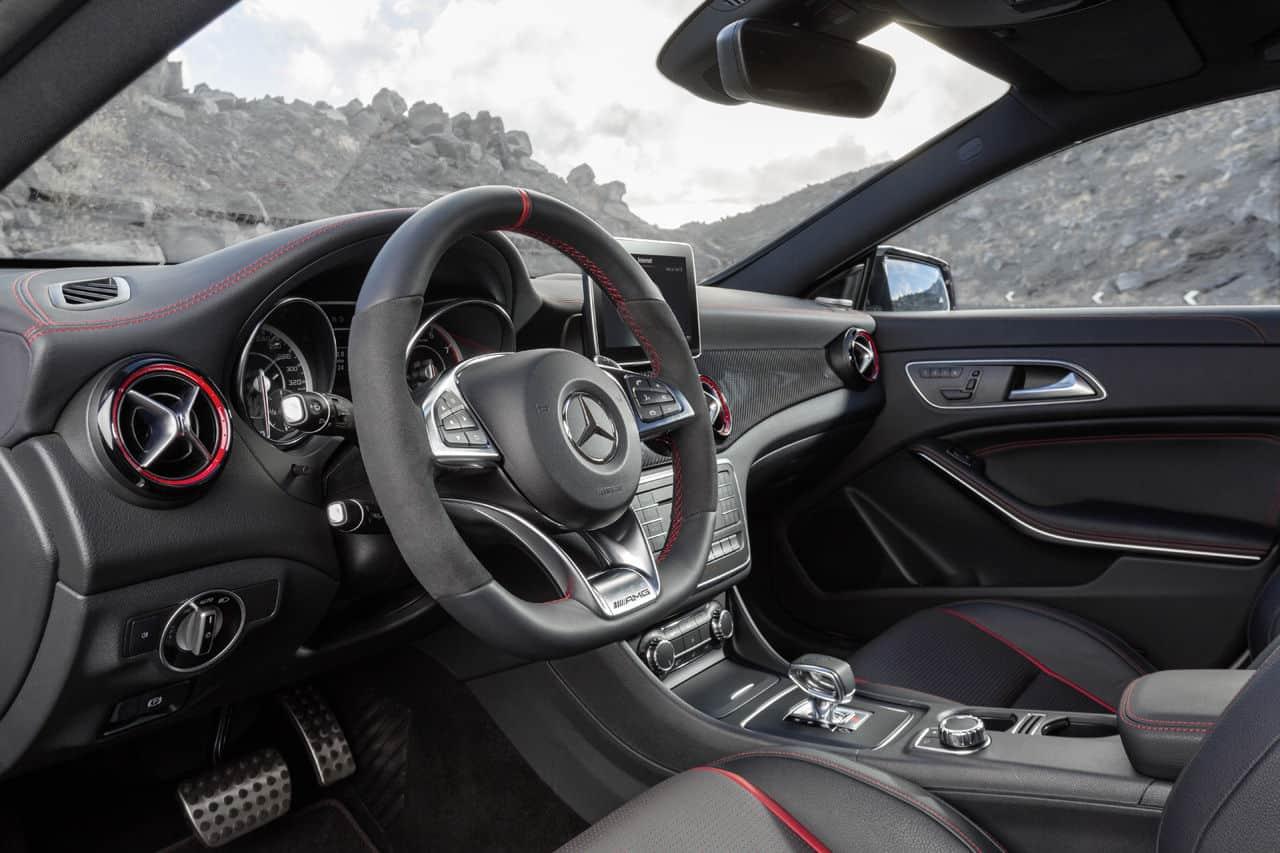 Mercedes Benz CLA45 AMG Shooting Brake 6