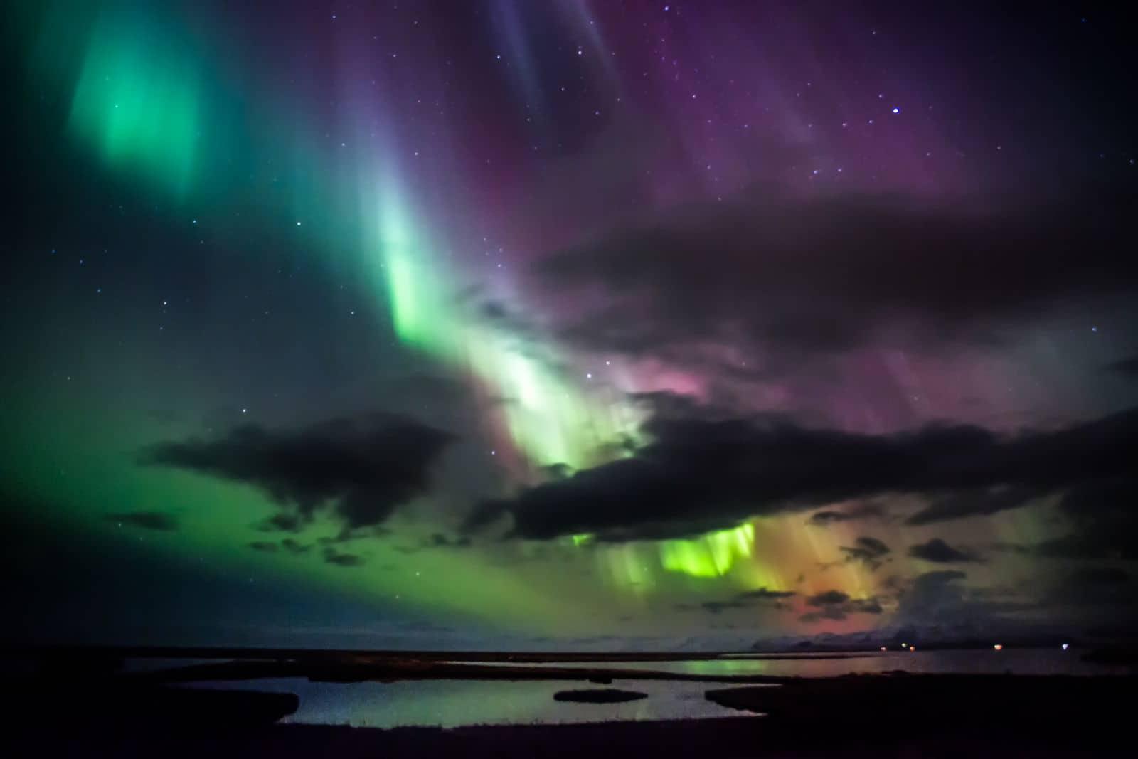 greenzowie-northern-lights