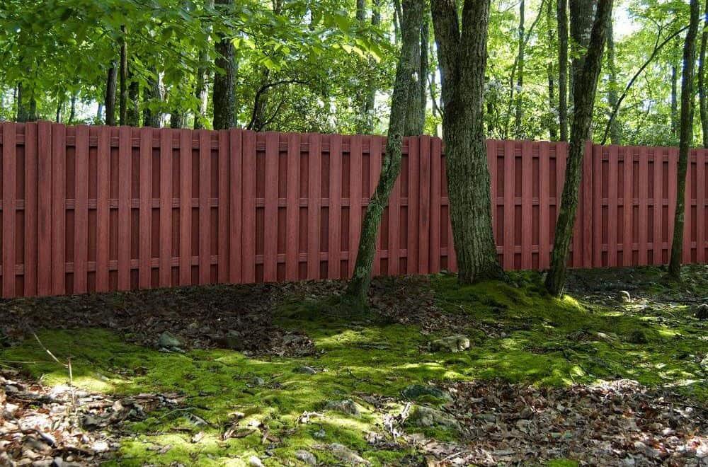 futurewood-fencing-in-garden