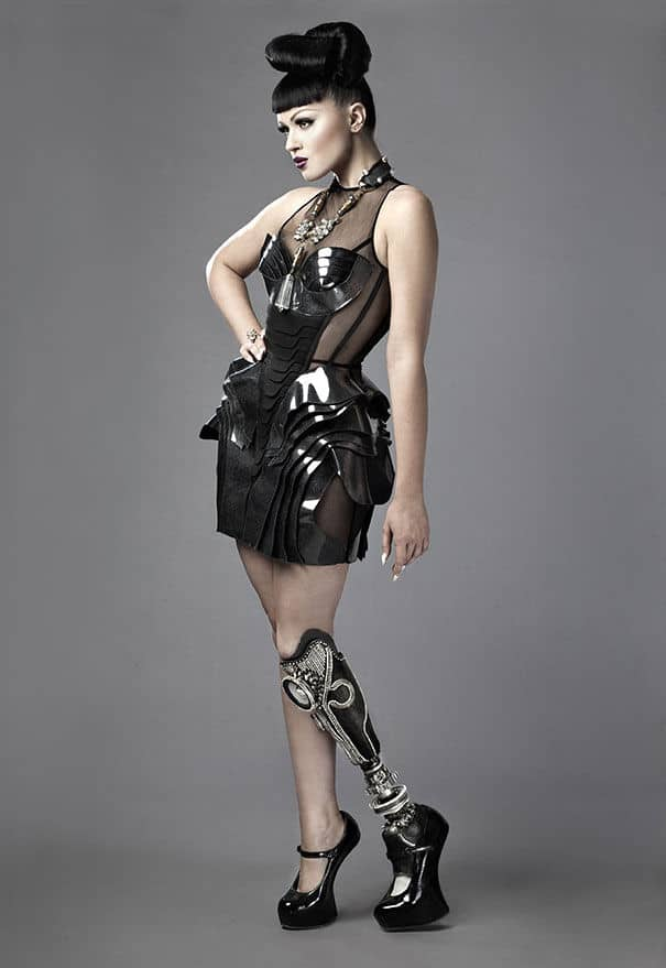 prototype-leg-prosthetics-viktoria-modesta04