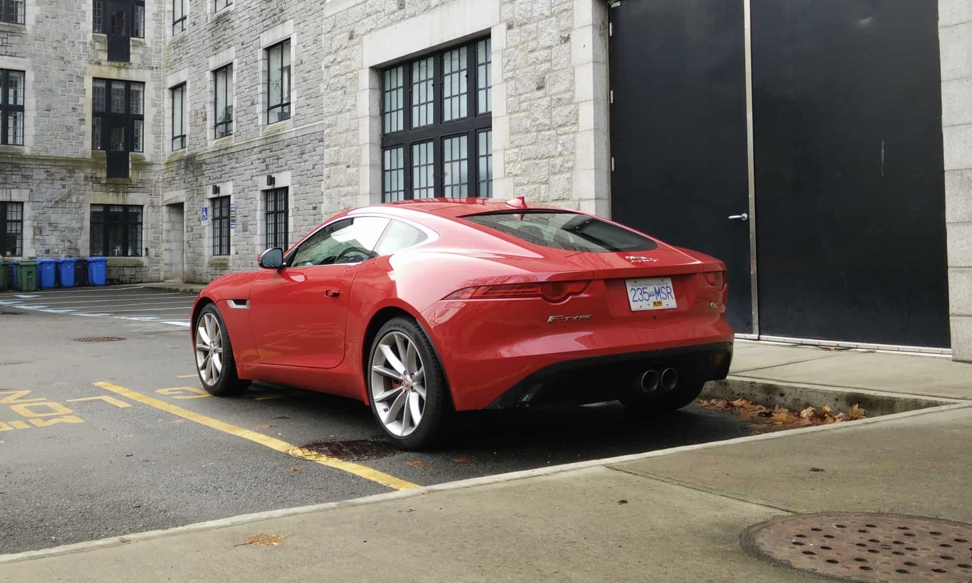 2015-Jaguar_F-Type_Review_04