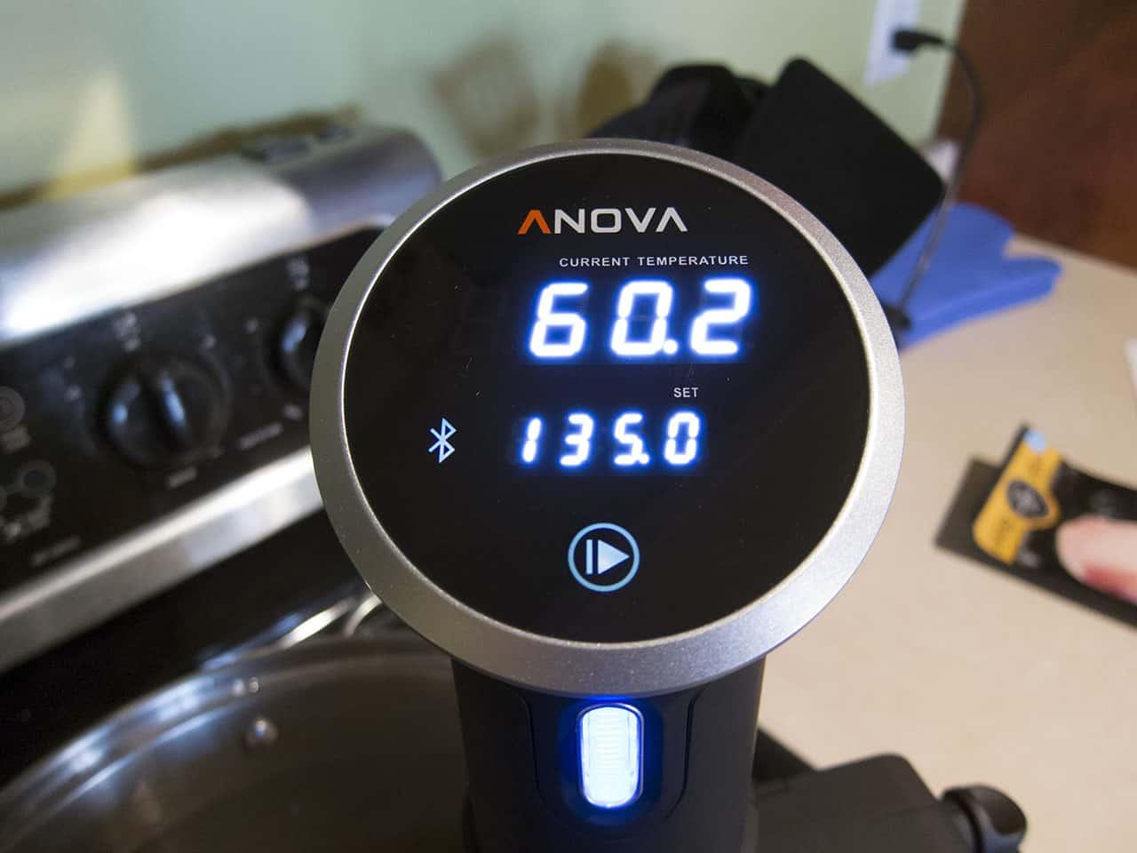 anova-sous-vide-cooker-02